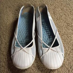 Women's flat shoes blue size 6,5M white slip on